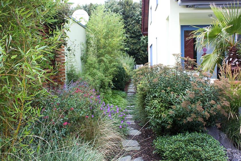 planung und gartengestaltung mit attraktive pflanzung bethke garten und landschaft. Black Bedroom Furniture Sets. Home Design Ideas
